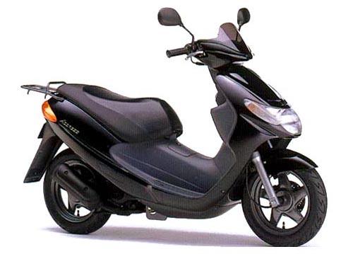 Скутер Suzuki Adress.
